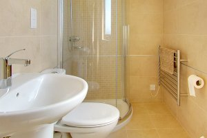 En Suite in Inchmalloch Holiday Cottage