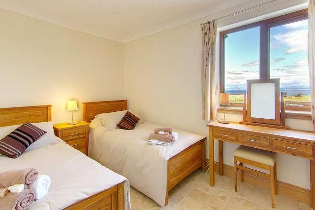 Twin Room - Holiday Accommodation in Scotland