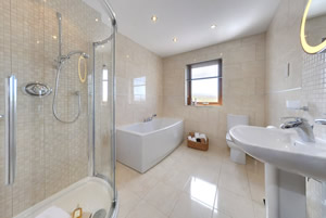 Mill Wheel bathroom - holiday accommodation in Scotland